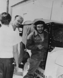 Robert A. Paneque y el Che Guevara en Bayamo.