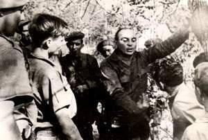 El entonces Comandante Raúl Menéndez Tomassevich en las montañas de la Sierra del Escambray, donde dirió las operaciones militares para combatir las bandas armadas que se infiltraron desde Estados Unidos en los años 60.
