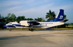 Muchos de los aviones de la flota militar cubana estan ya al servicio del turismo en Aero Gaviota.