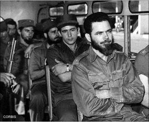 El Comandante Huber Matos una vez detenido junto a sus tropas en Camagüey.